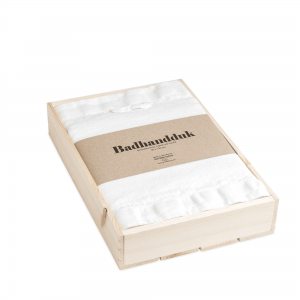 Linen bath towel in box 1