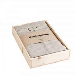 Linen bath towel in box