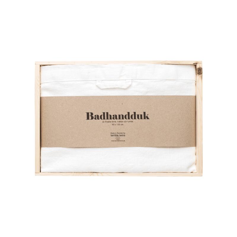 Linen bath towel in box 2
