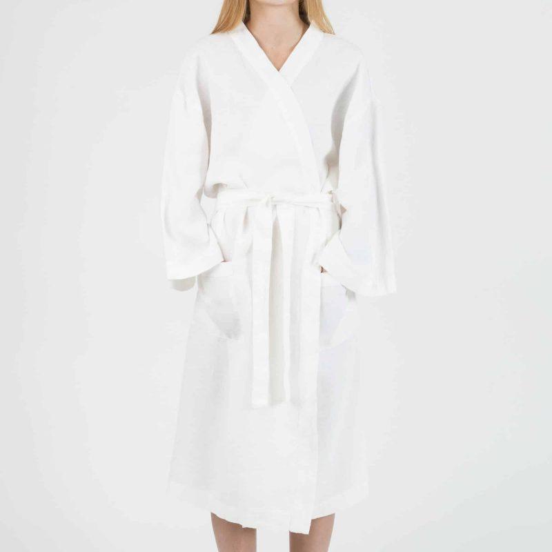 White kimono in linen 1